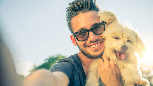 how do you take a selfie with a dog