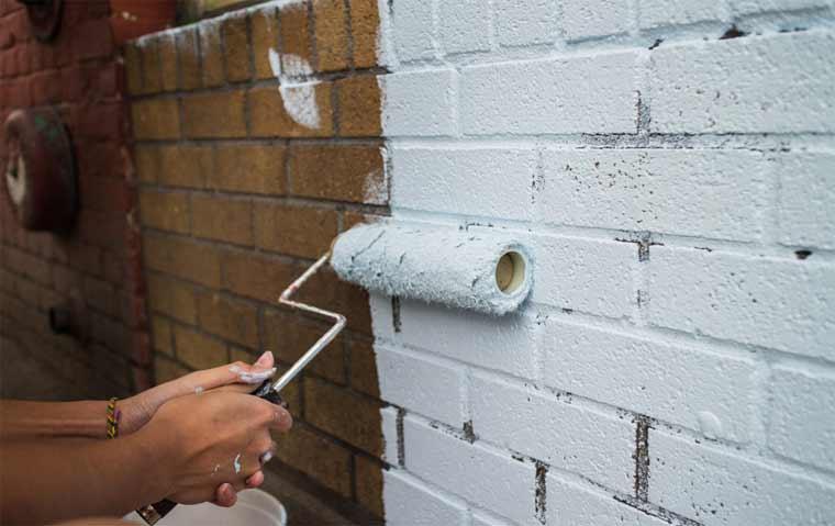 How to paint bricks interior