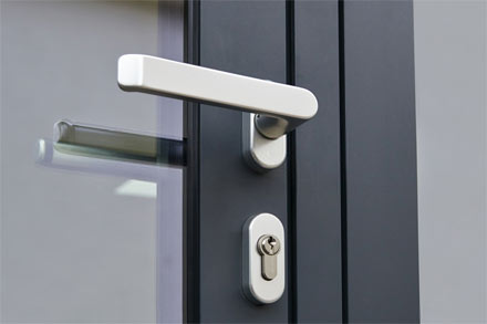 Benefits of Using a Smart Commercial Door Lock