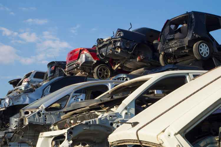 How to Buy and Sell Junk Cars